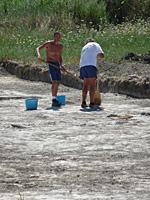 Szentesfai ásatás - olykor takarítani is kell1